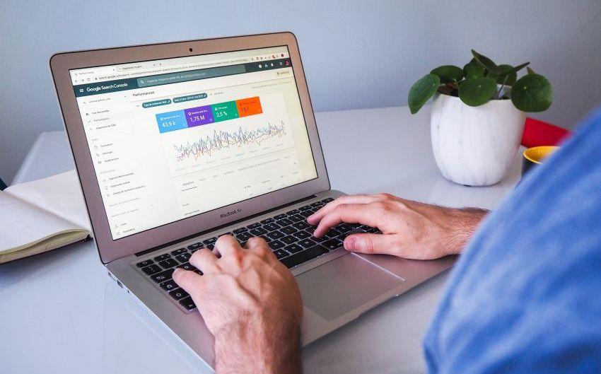 Ali lahko optimizacija spletnih strani predstavlja uspešno kariero?