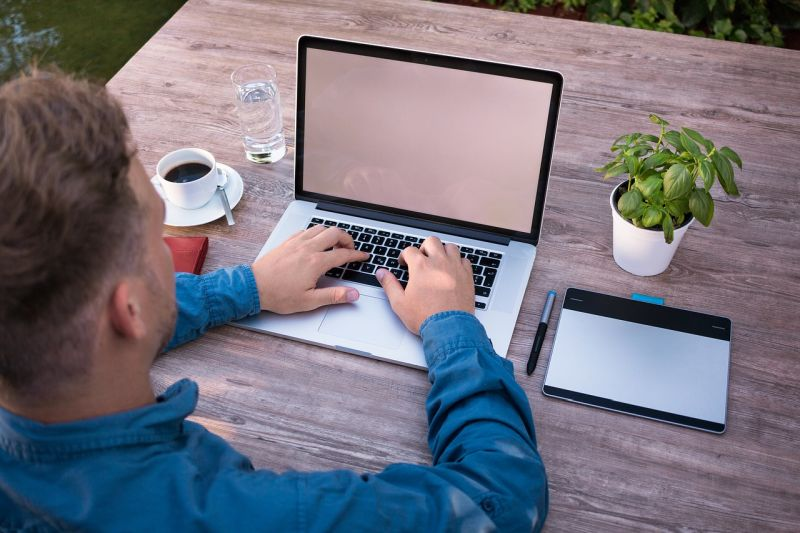 Orodja za izdelavo spletne strani – dobra ali slaba izbira?